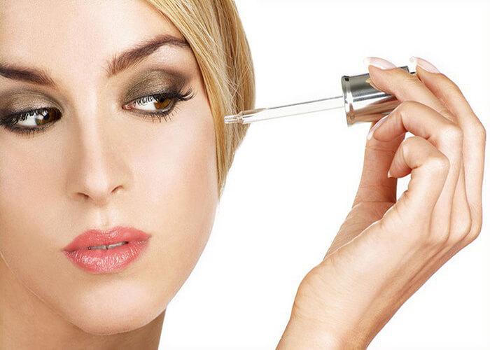 4 Lý do bạn nên bổ sung serum vào quy trình chăm sóc da hàng ngày