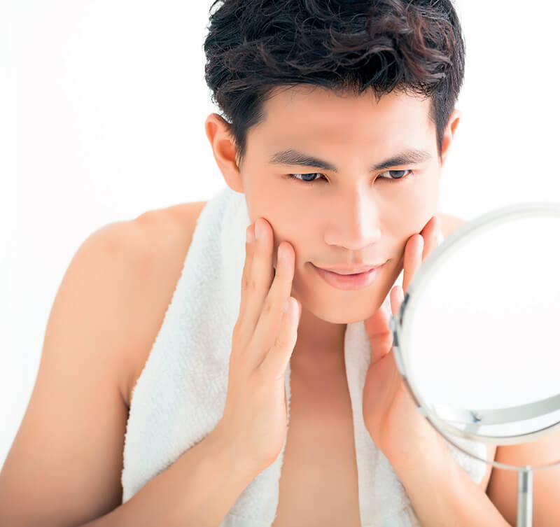 Mỗi ngày đều đặn cấp ẩm để làn da luôn được khỏe mạnh