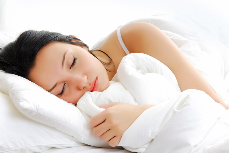 Ngủ sớm là bí quyết đơn giản để có một làn da đẹp
