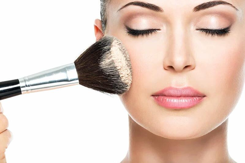 Makeup vào buổi sáng là cách nhanh nhất để các đốm sắc tố biến mất
