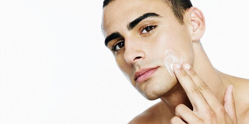 Tẩy tế bào chết hỗ trợ da kích thích sản sinh collagen và ngăn tình trạng bít tắc lỗ chân lông
